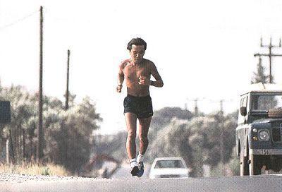 Haruki Murakami trénuje na maratón